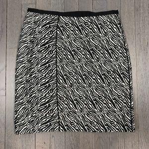 H&M Animal Zebra Print Black White Pencil Skirt 6